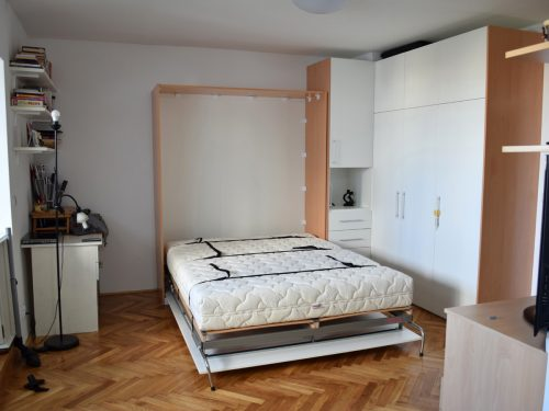 zidni krevet uspravni