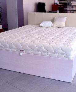krevet s podnicom na podizanje